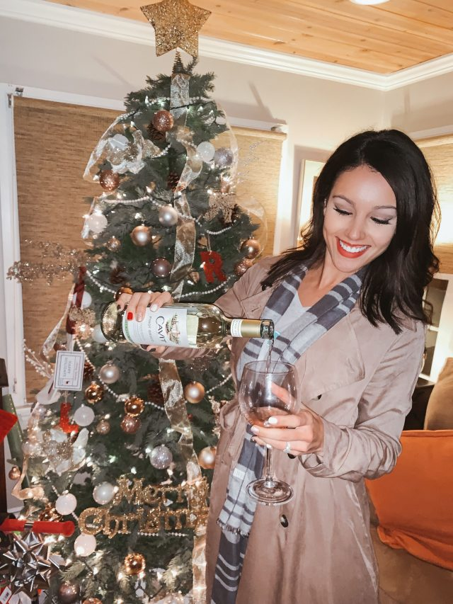 Wine Down Wednesday with your mom group --- via www.KatelynnAnsari.com #wine #holidayparty #orangecounty #momgroup #momfriends #cavit #pinotgrigio #partyideas